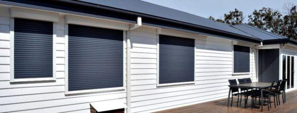 window-roller-shutters6695BDCD-D56F-A7E6-7108-EC3CD44BCFB4.jpg
